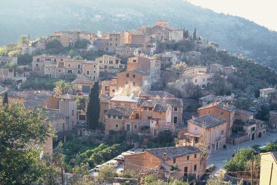 Dorf Deia